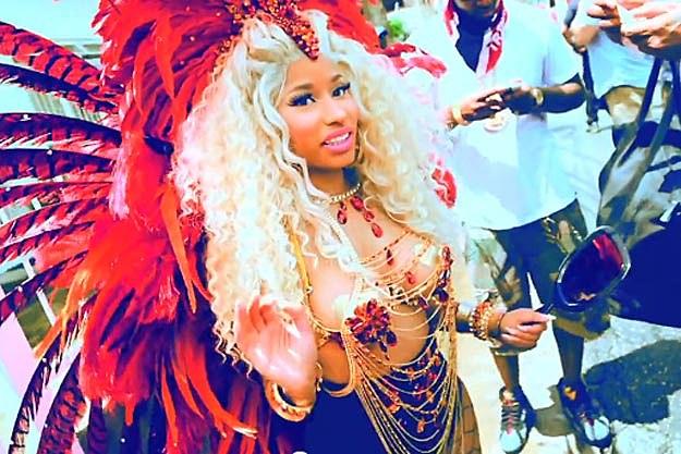 Nicki Minaj Strip