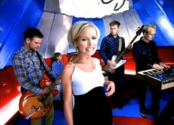 - What Happened To The Cardigans – See Them Then And Now