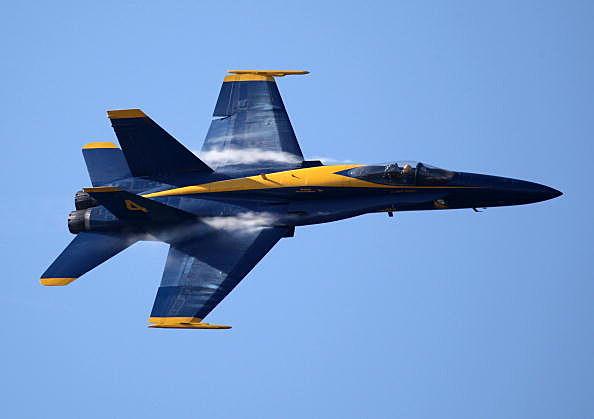 Blue Angels Practice Maneuvers For San Francisco Fleet Week